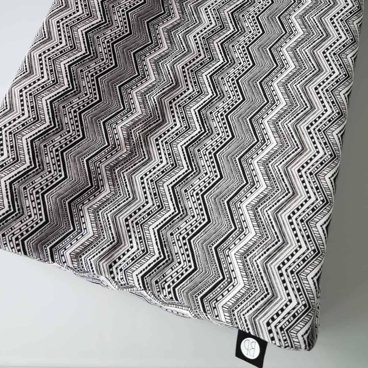 omkleedkussenhoes zwart wit print