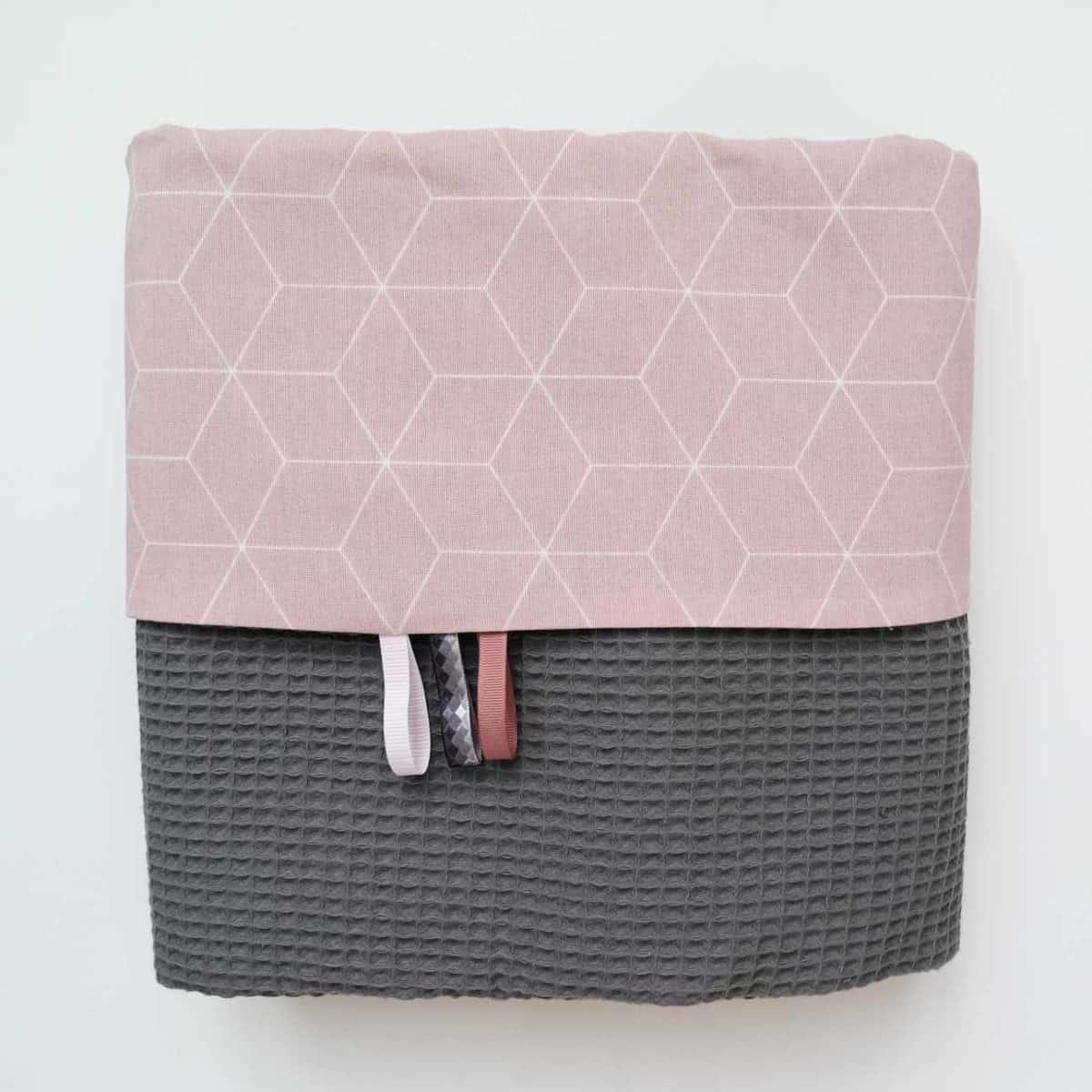 Wafeldeken antraciet met roze print
