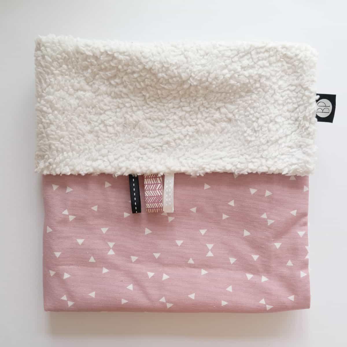 Babydeken teddy ecru met roze witte print