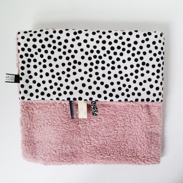 Babydeken teddy roze met zwart witte stippen
