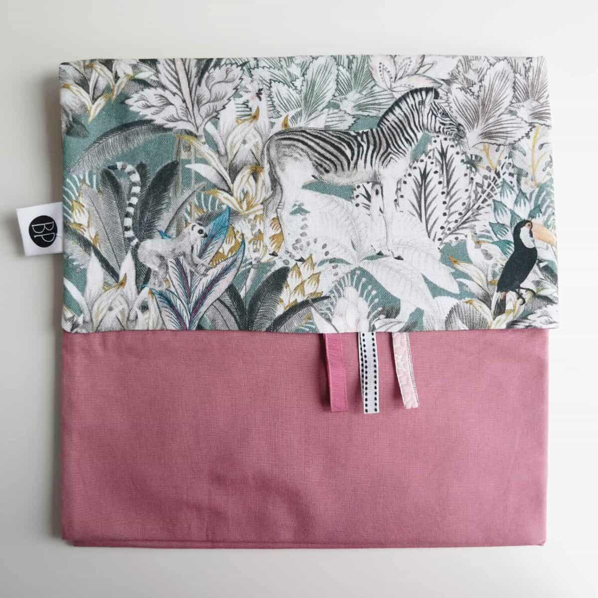 Babylaken met jungle print roze