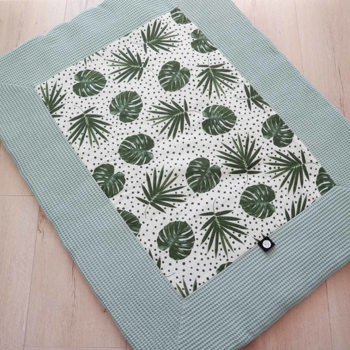 rechthoek boxkleed in botanische print wafel oud groen