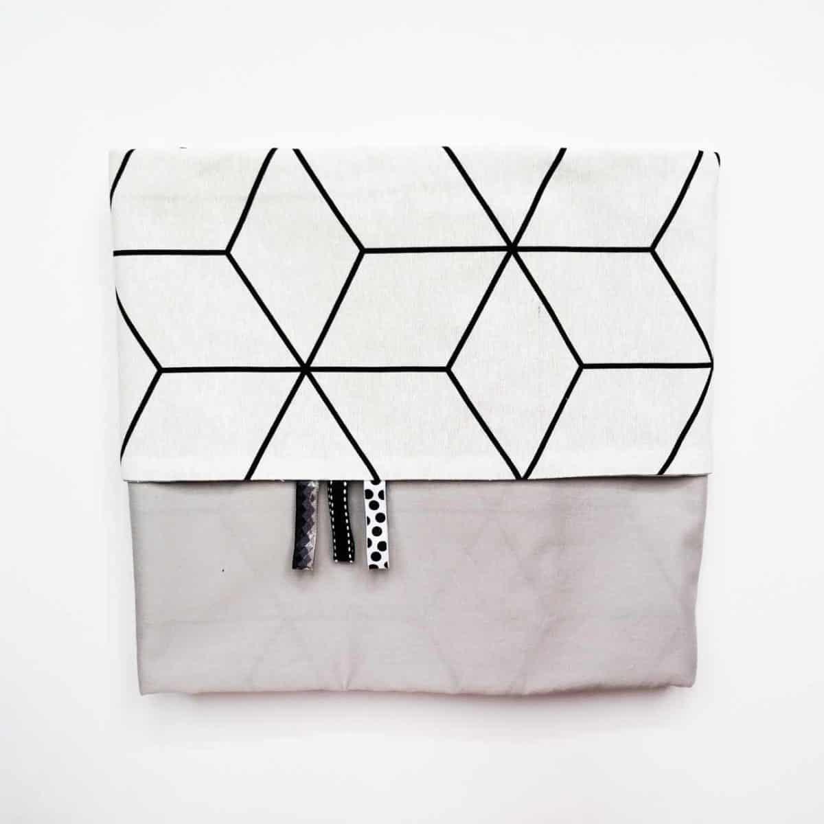 ledikantlaken zwart wit print met grijs