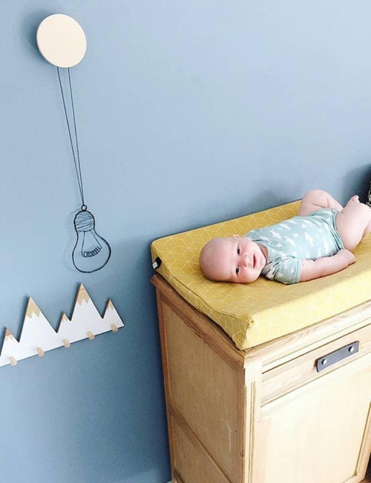 okergeel aankleedkussenhoes voor de babykamer zelf samen stellen