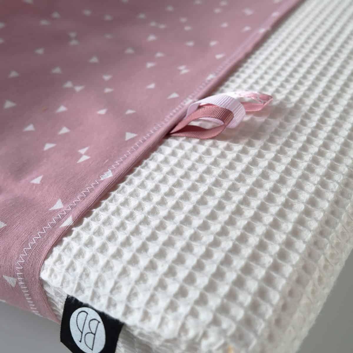 aankleedkussenhoes wit met roze