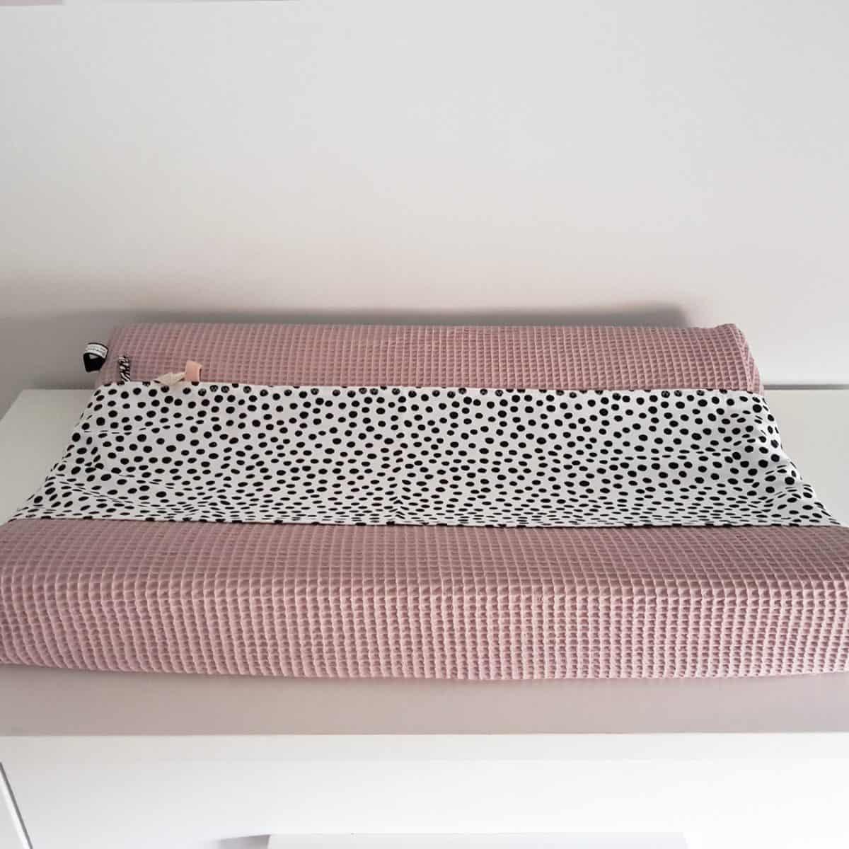 omkleedkussenhoes aankleedkussenhoes in wafel roze zwart wit dots