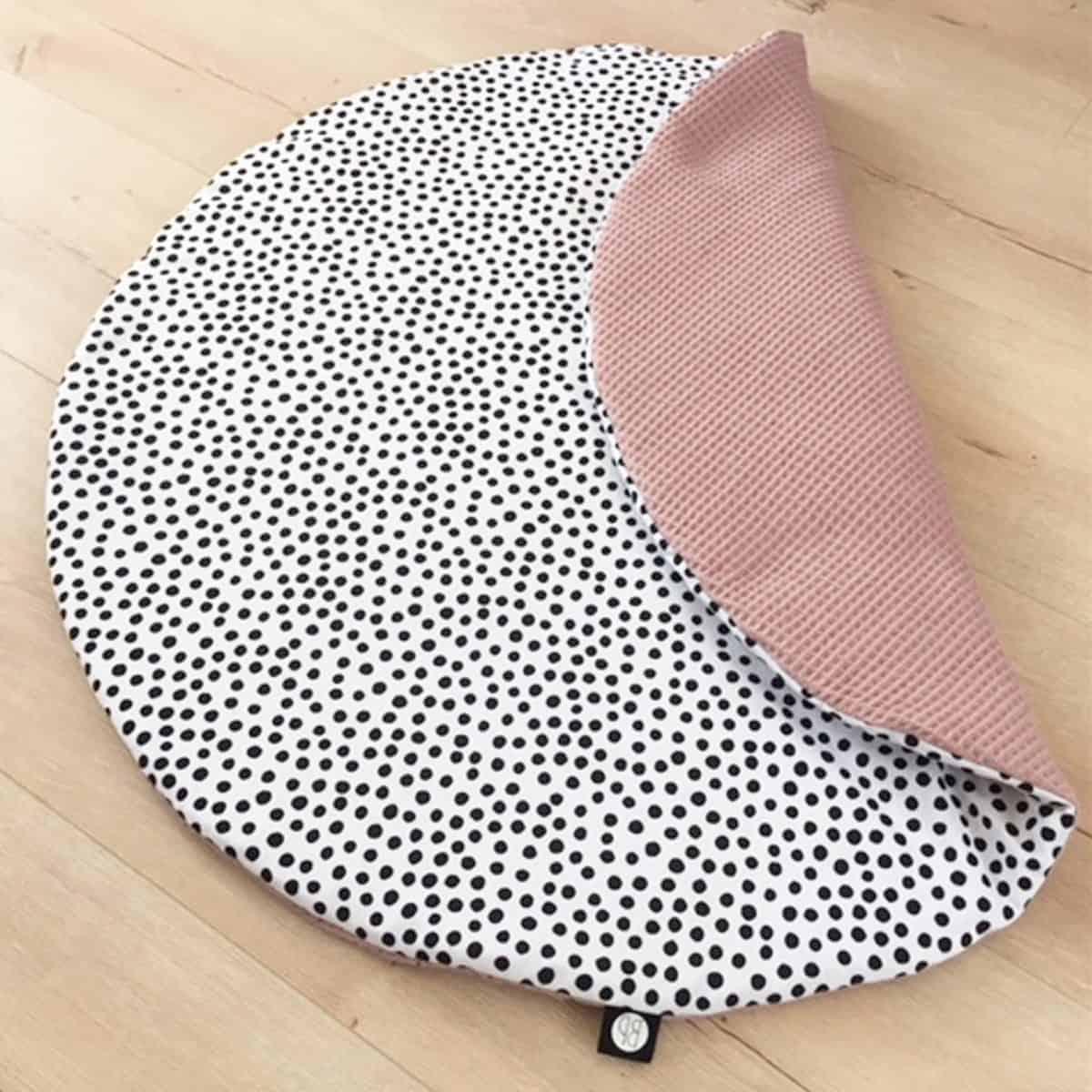 rond boxkleed in stippen print met roze wafelstof