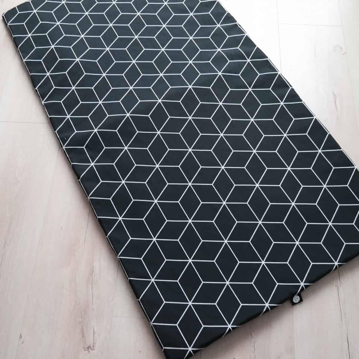 Tweelingboxkleed in zwart wit print