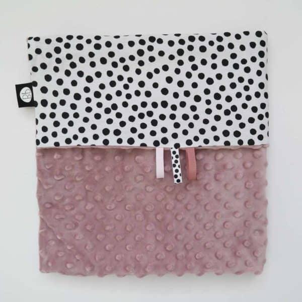 Babydeken zwart wit dots minky oud roze