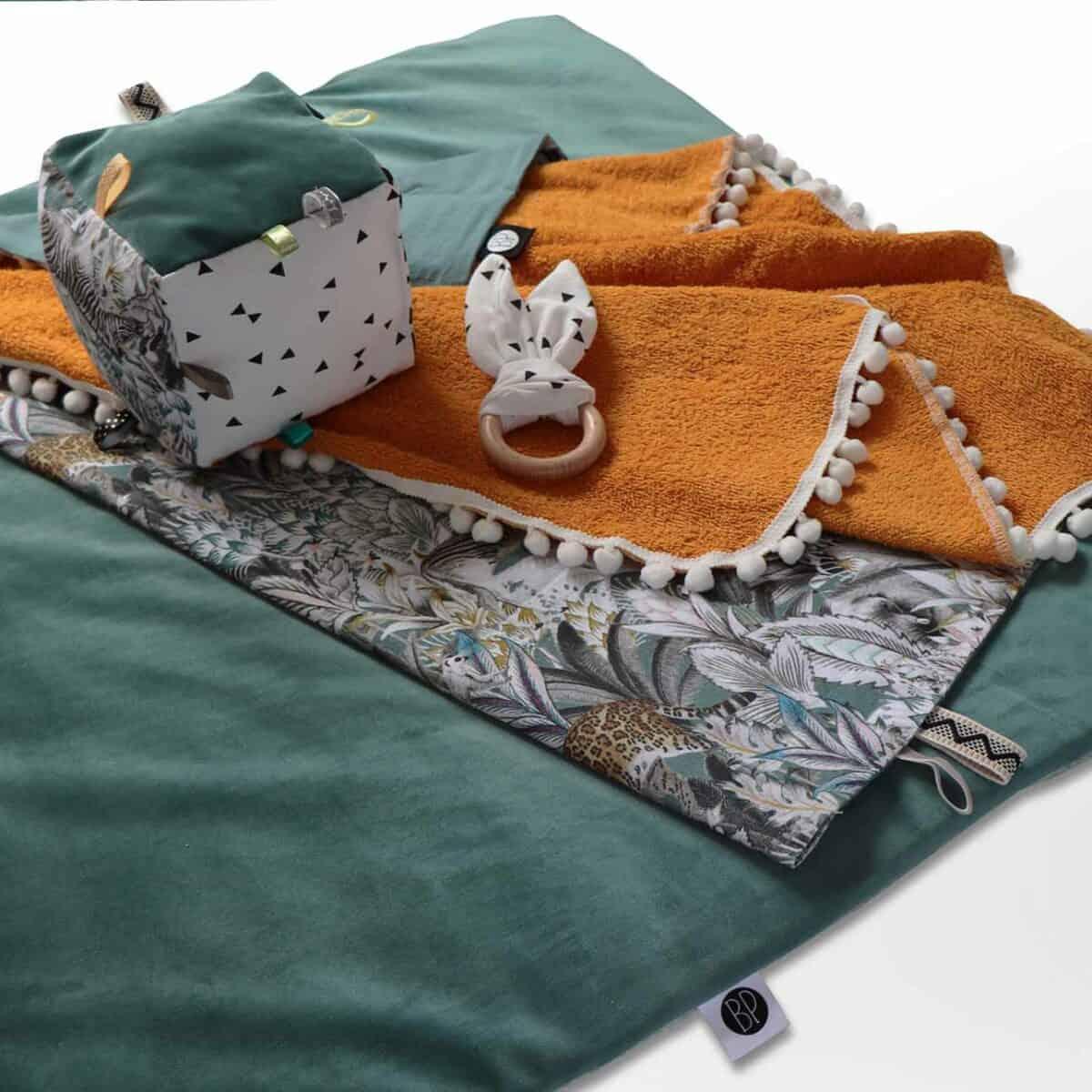 Rechthoekig boxkleed velvet velours groen
