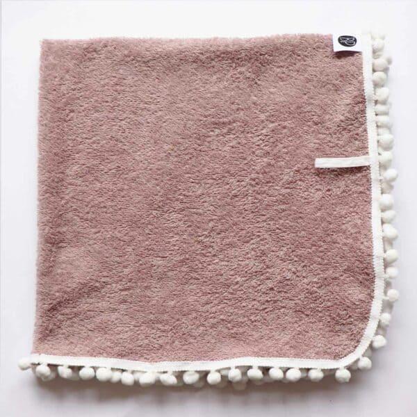 Swaddles van badstof met pompon randje in roze voor baby