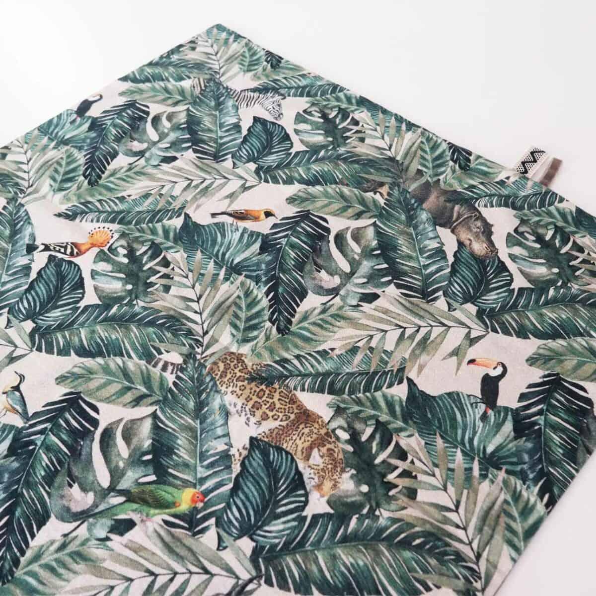 Babylaken met tropische dieren print